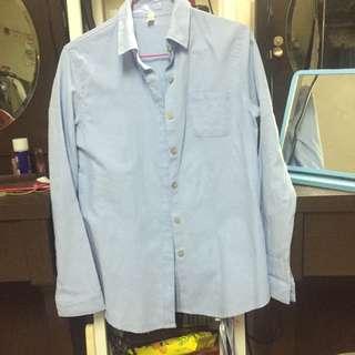 🚚 買兩樣折50$買三樣折100$~二手-素色襯衫 藍色襯衫 木釦襯衫 文青襯衫 網美必備