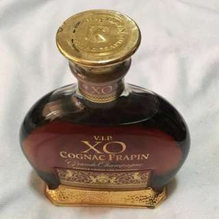 70cl/700ml CLEARANCE SALES {Collectibles Item - Vintage V.I.P. COGNAC} Authentic 70cl/700ml Vintage V.I.P. COGNAC FRAPIN Grande Champagne PREMIER GRAND CRU DU COGNAC Without Box