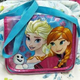 Frozen slingbag