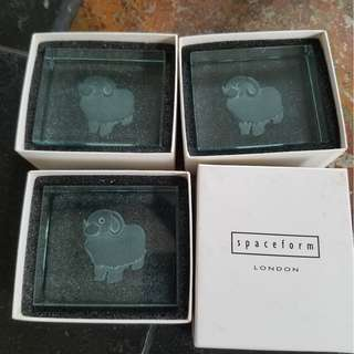 small glass decoartion with sheep image (set of 3)