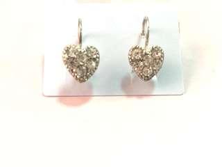 Heart cluster earring S1