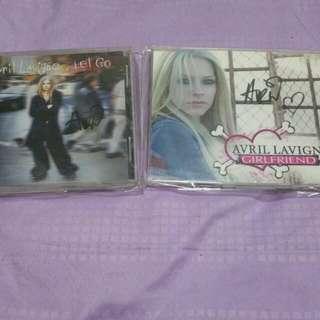Avril Lavigne親筆簽名專輯(2張)