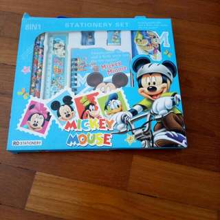 Mickey Mouse 8 IN 1 Stationery Set