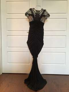 EUC LACE & KNIT MERMAID STYLE GOWN SIZE 6