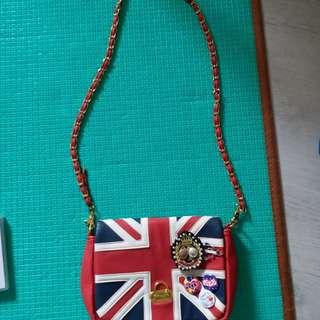英國款手袋 連多個可拆襟章