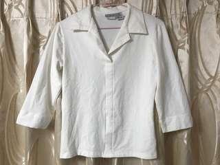 白色棉質七分袖上衣