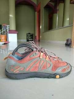Sepatu Outdoor Merrel