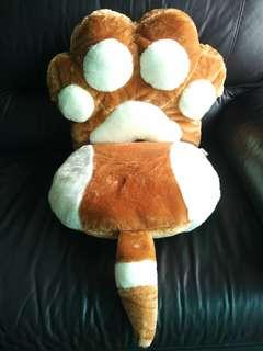 Cute Plush Cat Dog Paw Seat Cushion 可愛貓狗爪咕𠱸攬枕坐墊背靠公仔