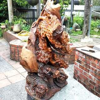 🚚 香樟木雕