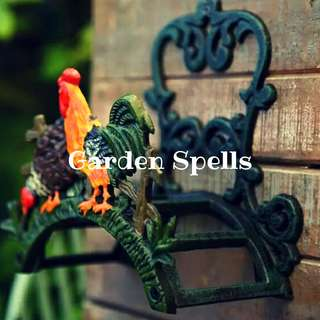 Garden Spells Rooster Hose Holder (Cast Iron)