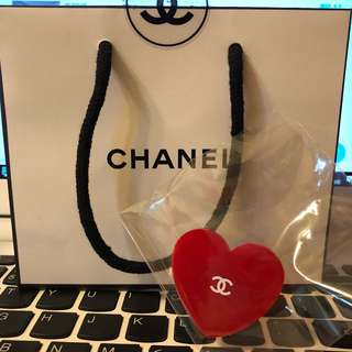 Chanel 扣針