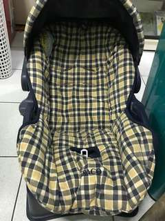 Graco Baby car seat and carrier
