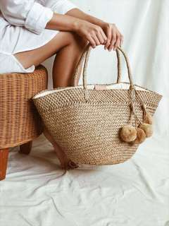 🚚 Pom Pom Straw Tote Beach Bag For Summer (Large)