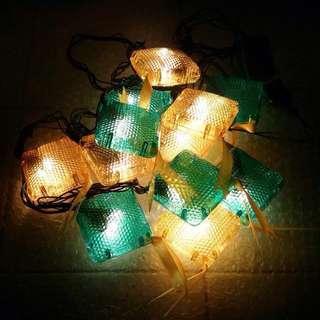 Lampu hias Lebaran bentuk ketupat (tanpa bulan dan bintang)