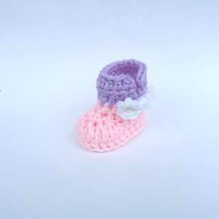 BABY BOOTIES: Two Tone Bow Baby Boots (Crochet)