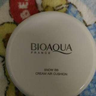 Bioaqua cream yg putih