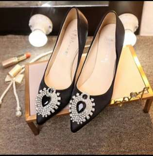 Pointed Black Shoes👠