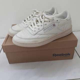 Reebok 米白鞋 24.5
