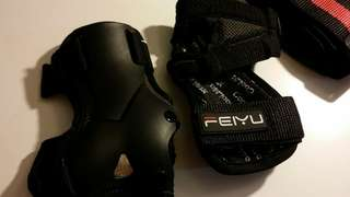 a pair of hand protector for girls