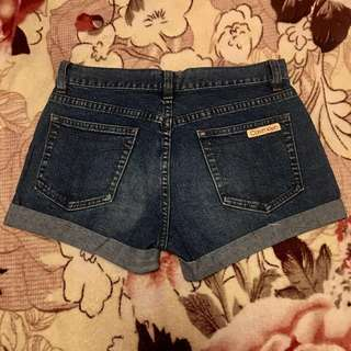 Calvin Klein Short💯(Original)
