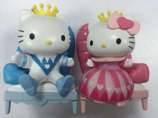 7-11 Sanrio Hello Kitty and Dear Daniel valentine edition figures