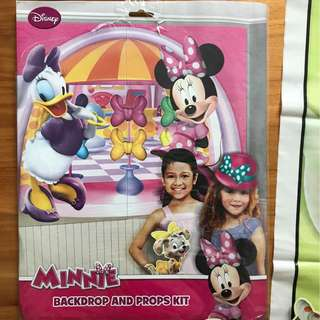 Minnie Mouse backdrop and props kit.