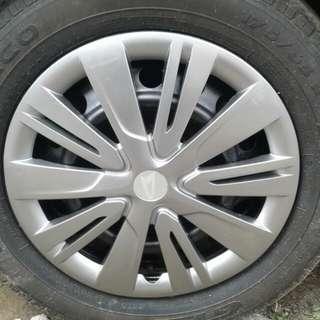 Wheel dop bawaan Daihatsu Sigra
