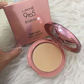 Lakme Primer + Matte Powder Foundation ( Masih Segel ) Shade : Silky Golden