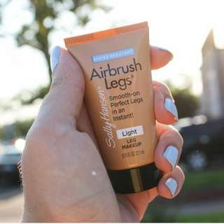 Airbrush Leg Makeup in Medium