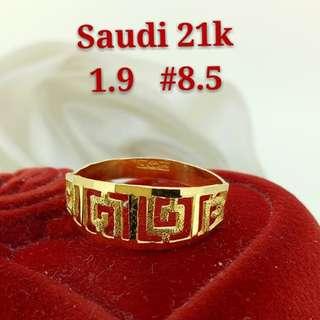 WOMEN'S 21K SAUDI GOLD RINGS .>>>.