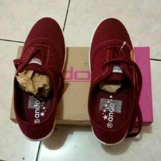 Sepatu Ando Freeong