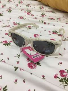 Sunglasses hello kitty for 4-5 years old