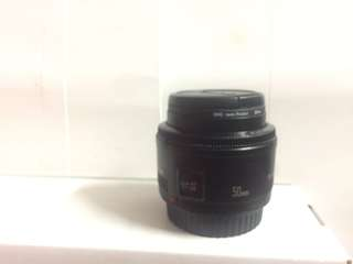 Canon lens 50mm + batrei grip cannon 60 D