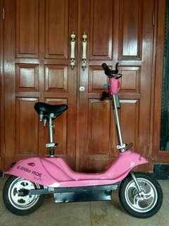 Scooter Motor Listrik Eco Friendly