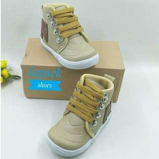 Boots 1-6thn