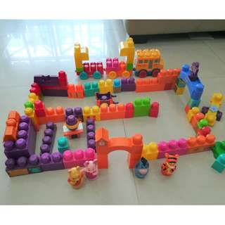MEGA BLOKS - Winnie the Pooh playground with characters, Number Train, Assorted blocks with pictures