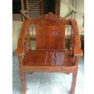 Kursi antik batik
