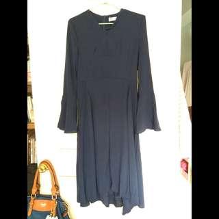 含運 氣質微喇叭袖深藍色雪紡V領洋裝 附圓形腰綁帶