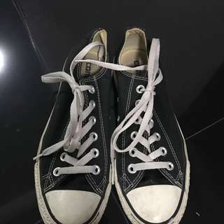 Authentic Converse Black & white 7.5