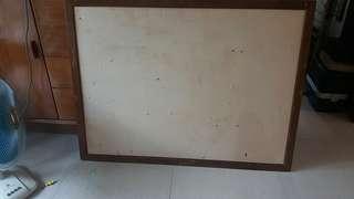 抽木框壁報板