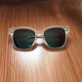 MIRROR SUNGLASSES AVIATOR / KACAMATA HITAM ( Preloved )