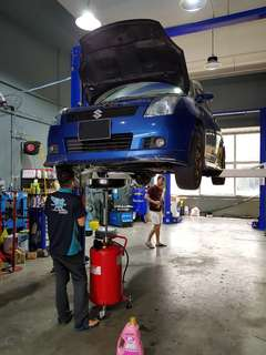 Car servicing with 10000km oil change interval