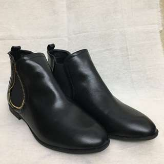 Black boots high heels leather tissaia 37/38 黑皮靴 歐洲牌子