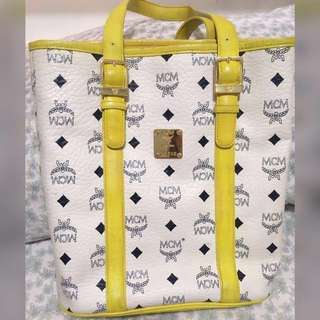 ‼️SALE‼️FREE SHIP‼️💎Authentic MCM White & Yellow Leather Bucket Bag💎