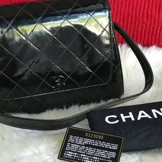 Authentic Preloved Chanel Patent - Shoulder Bag / with chanel dustbag / card / hologram