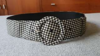 Checkered fabric belt