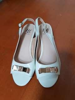 Flyshoes white wedges