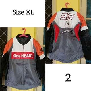 Jacket kulit adem