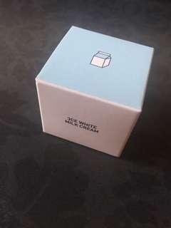 Instock sample size mini size authentic 3ce white milk cream