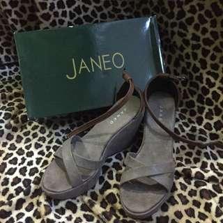 Gray n' Brown wedge sandal